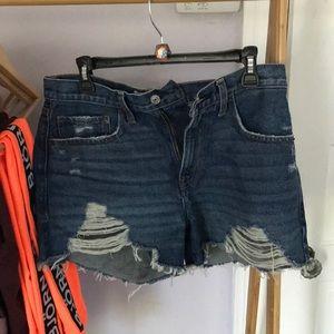 Abercrombie mid rise boyfriend shorts